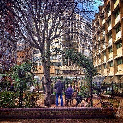 Wall-B World Wild: http://off-the-wall-b.tumblr.com/tagged/london #london #mobile #iphone #photo