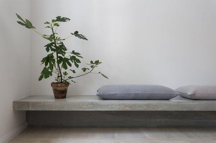 Concrete bench. Gold & Gray Apartment by Richard Lindvall. © Mikael Lundblad. #concrete