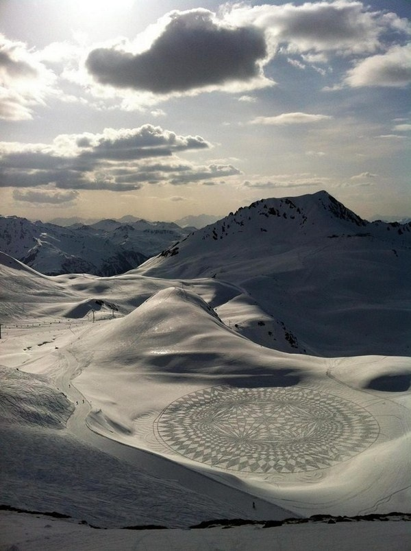3d land art in landscape #3d #his #france #each #pai #snow #is #there #the #it #creating #and #art #when #artis #winter