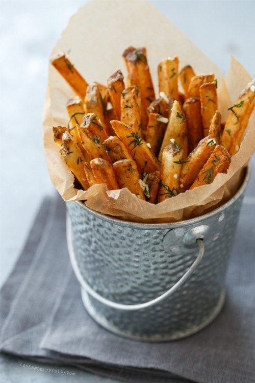 do-not-touch-my-food:French Fries with Fresh Garlic and Dill #photography #food
