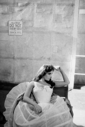 All sizes | Elizabeth Taylor on the set of Raintree County, 1956, by Bob Willoughby | Flickr - Photo Sharing! #elizabeth #bob #taylor #willoughby