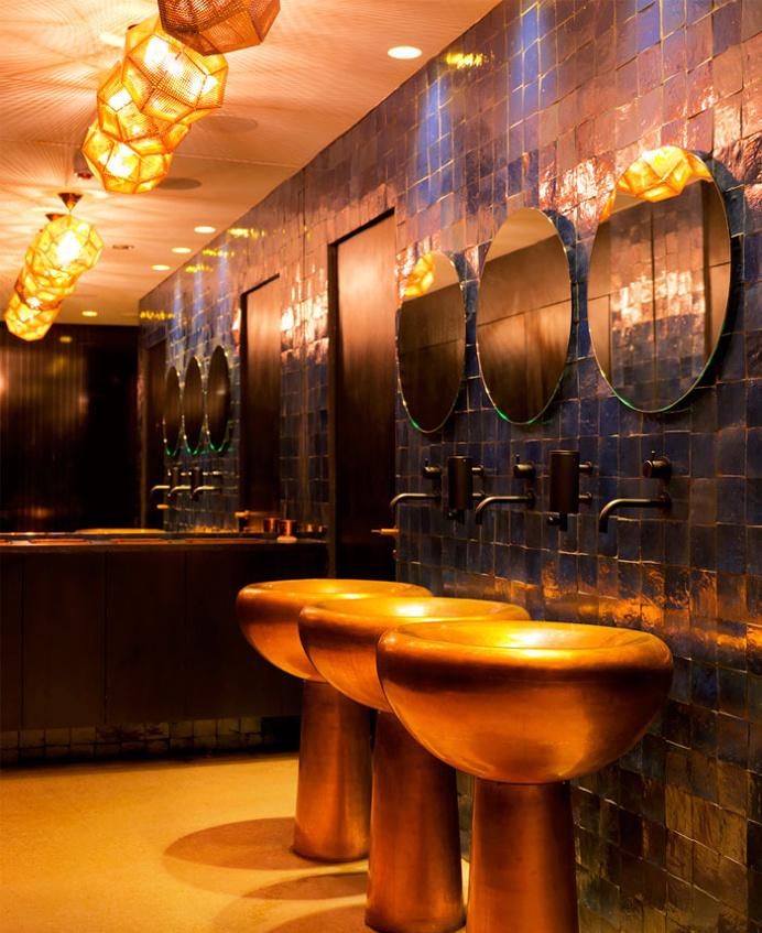 Restaurant with Parisian Chic Decorating - #decor, #interior, #restaurant