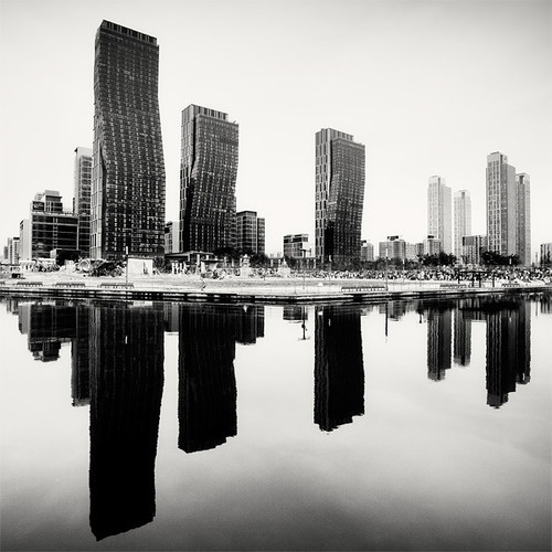 CJWHO ™ (Southkorea by Photographer Martin Stavars) #white #korea #stavars #design #black #south #photography #architecture #and #martin #skyline