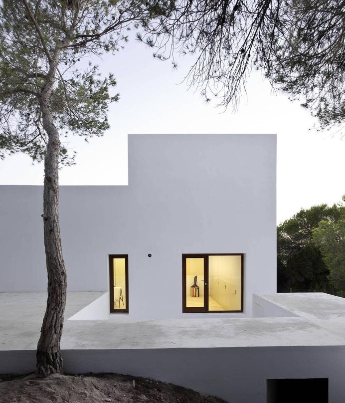 Casa Amalia by Marià Castelló, Arquitecte. Photo by Estudi EPDSE. #mariacastelloarquitecte #architecture #house #estudiepdse