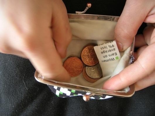 tausiroko.com » Project: Feminism #fabric #pattern #wallet #cash #print #material #purse #coin #money #feminism