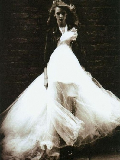 Kiki Sloane : …the boots. #boots #dress #wedding
