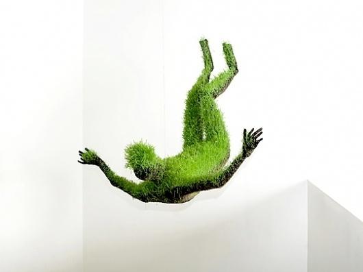 Gimme Bar | Mathilde Roussel's Lifes of Grass | Magical Urbanism #sculpture #fall #grass