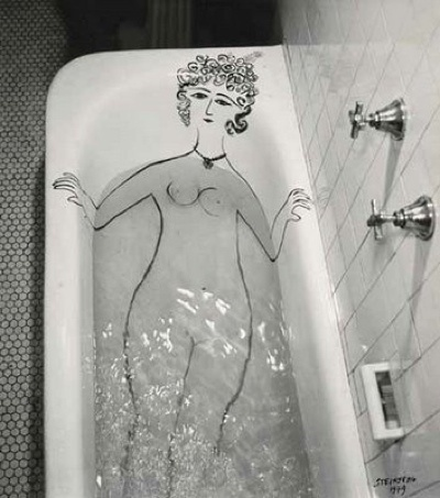 FFFFOUND! #blackwhite #water #girl #retro #photography #vintage #bathtub #drawing
