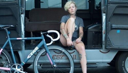 grahikaru:Kelli Samuelson and TRACKO for the NEW Cinelli Winged Storekeeeeelli !!! #bicycle #girl #fixed #wheel #bike #cinelli