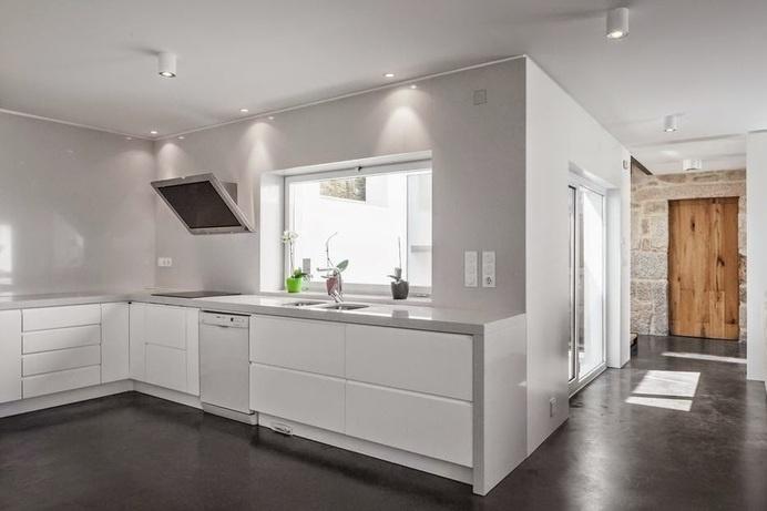 JA House by Filipe Pina #kitchen #interiors