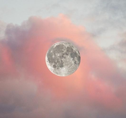 tumblr_m4ild02Eeo1r00j2ko1_1280.jpg 637×600 Pixel #moon