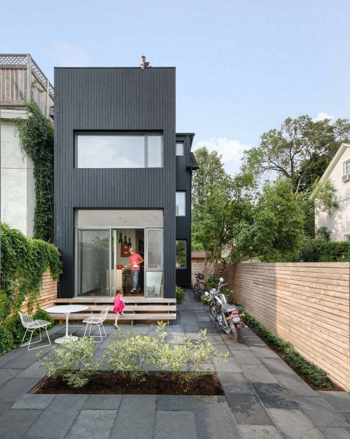Contrast House