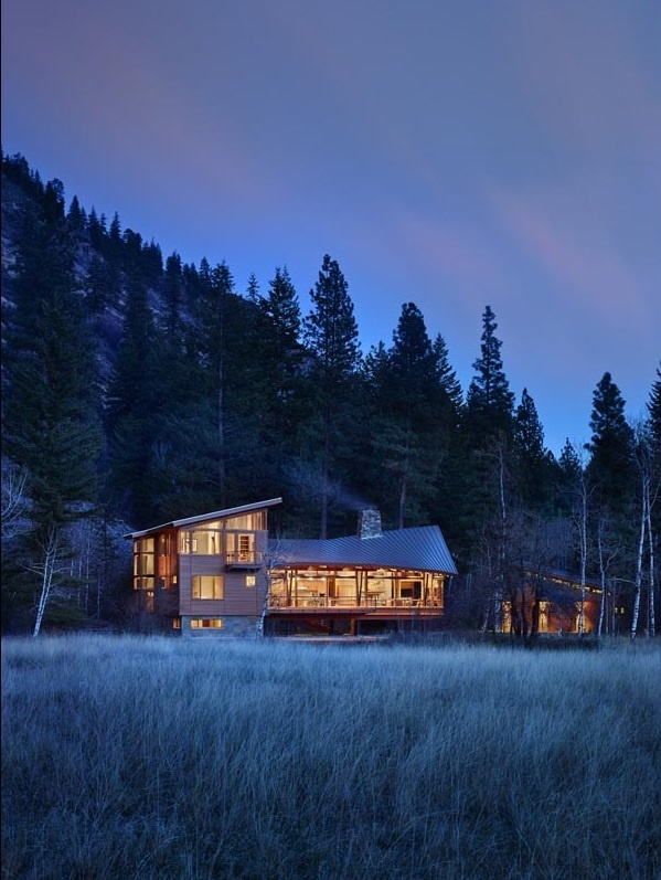Sustainable mountain house in the Methow Valley of Washington State