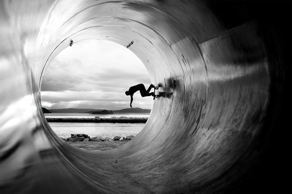 Fullpipe powerslide #ocean #photography #pipe #skateboard #bw #kate