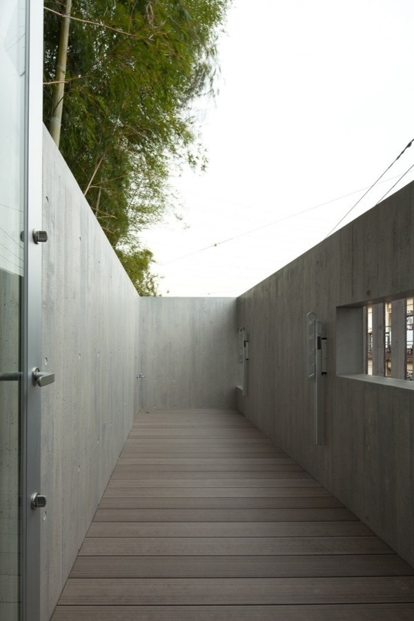 House in Inokashira / Studio NOA #houses #courtyards #architecture