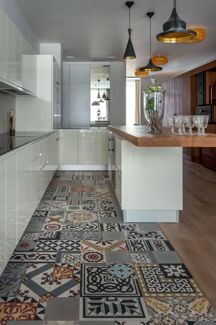 Modern kitchen with patchwork & wood pavements #modern #kitchen #patchwork #pavements #cucina #moderna #pavimenti