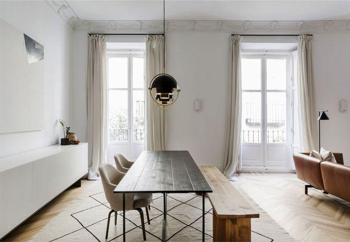 Ventura Estudio Creates Elegant Showroom-Home in a Historic Building - InteriorZine