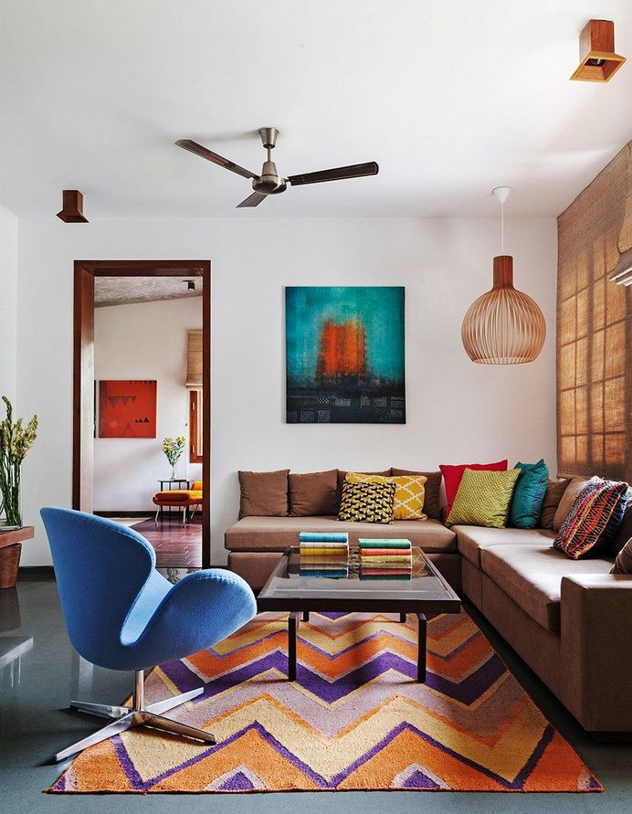 This Bangalore House Featuring Mid-Century Classics Furniture and Contemporary Art 9
