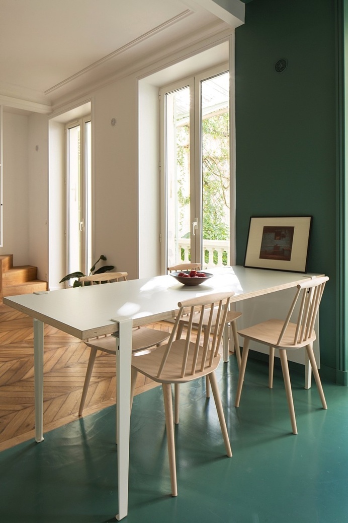 The Apartment of Carole and Robin by Les Ateliers Tristan & Sagitta