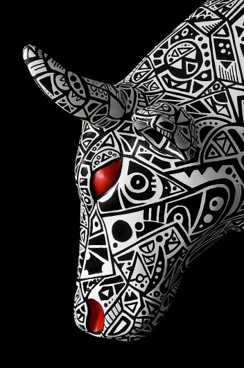 All sizes | Cow Parade - Mecanicow | Flickr - Photo Sharing! #white #red #tribal #black #cow #illustration #cowparade #drawing