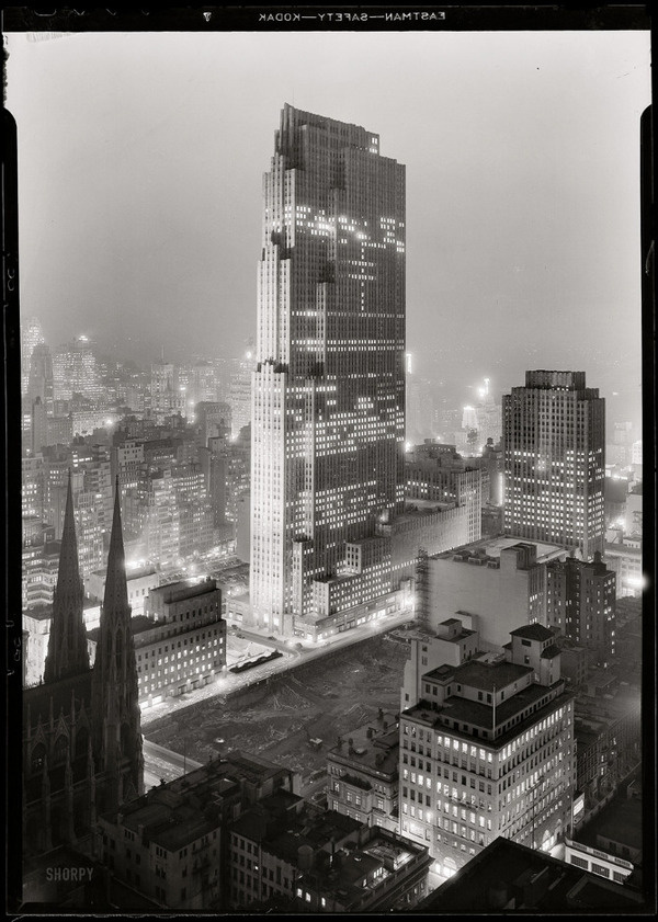 andrewharlow:New York, December 5, 1933. Rockefeller Center and RCA Building from 515 Madison Avenue. #arch #city