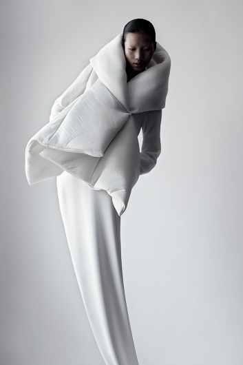 Qiu Hao F/W 2011 Serpens on the Behance Network #white #matthieu #black #belin #photography #china #and #fashion