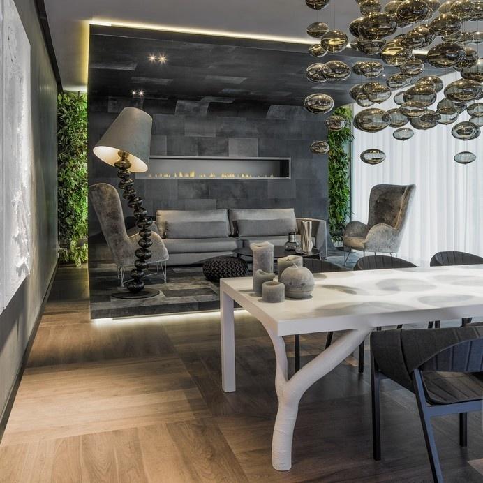 Inviting Modern Boardroom Design Enhanced by Spectacular Lighting #interior #stylish #modern #design #boardroom #lighting