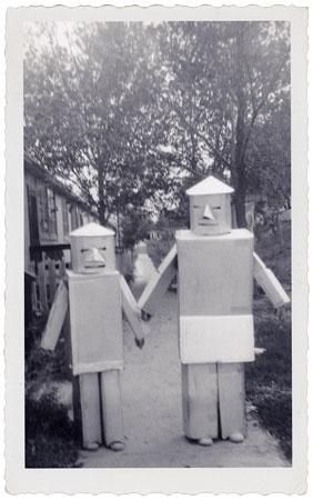FFFFOUND! | Téléchargement de photo Flickr: 1950's Halloween Robots #robots