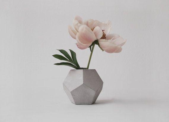 //dodecahedron vase by frauklarer