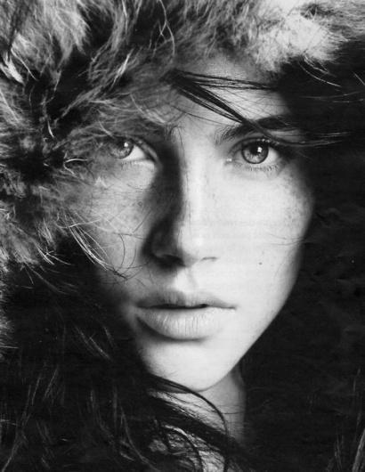 soggetti smarriti #white #girl #photo #black #portrait #and