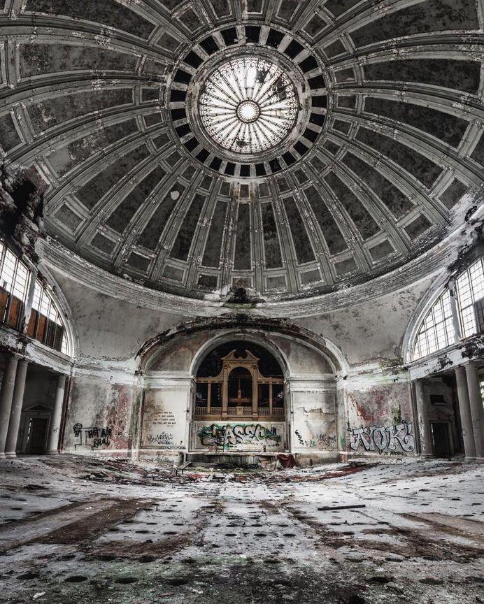 Incredible Abandoned Photography by Corey Smith