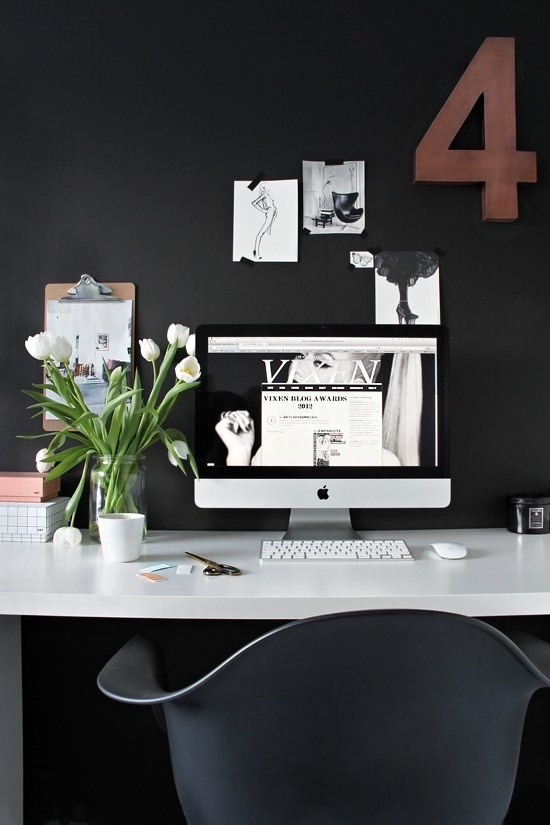Lovely workspace #white #office #black #brown #workspace #imac