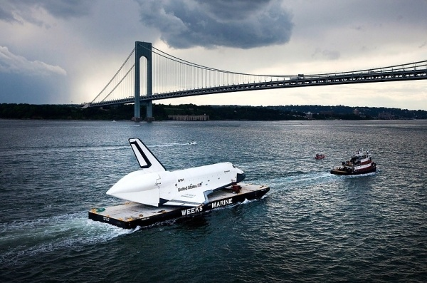 WANKEN - The Art & Design blog of Shelby White #shuttle #photo #nasa #usa #bridge