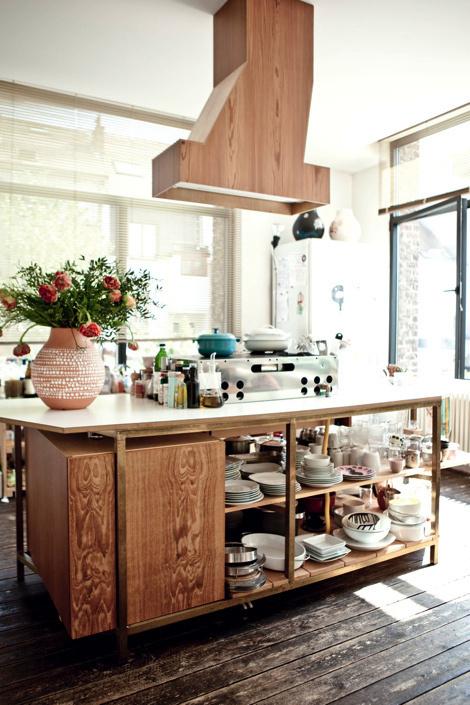 Апартаменты в стиле лофт #interior #white #design #furniture #kitchen #architecture