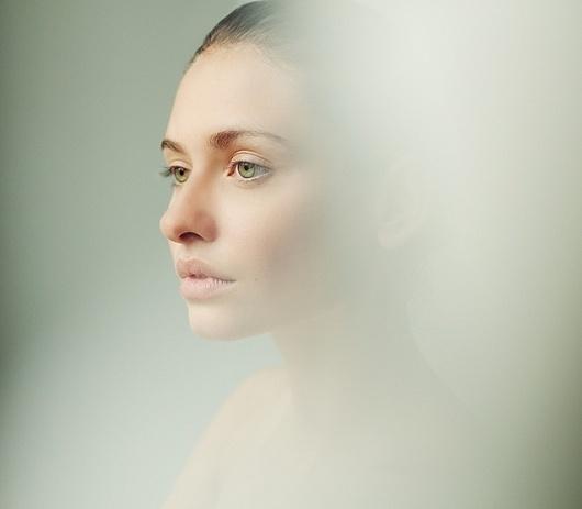 Portrait Photography by Hannes Caspar I Art Sponge #hannes #woman #lips #blur #photography #portrait #caspar #tone