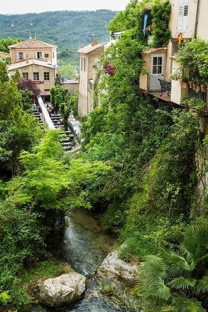 Medieval village of Moustiers Sainte Marie in Alpes de Haute Provence, France (by SebastienToulouse). #france #village #green