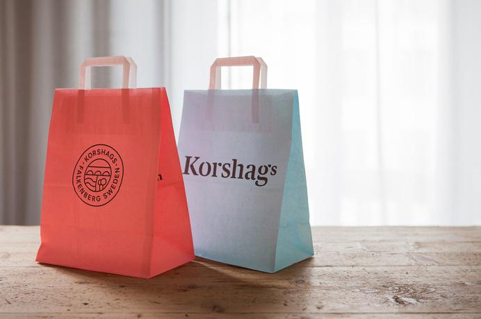 Visual identity and shopping bag design for Korshags by Kurppa Hosk #bag #identity #branding