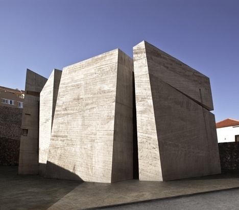 Dezeen » Blog Archive » Church in La Laguna by Menis Arquitectos #architecture