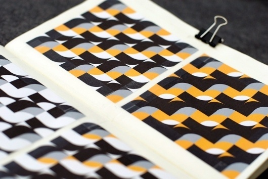 Quadradius : Guilherme #quadradius #grid #orange #pattern