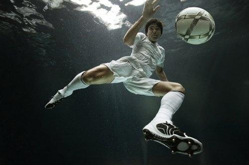 Underwater Photography by Zena Holloway » Creative Photography Blog #inspiration #photography #underwater