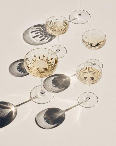 Telegraph Luxury - Champagne - Joss MC Kinley-