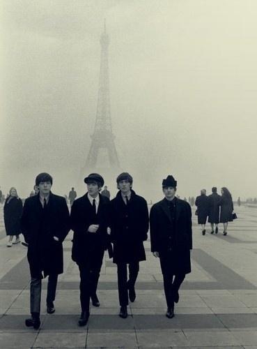 tumblr_lhfc0tNeVx1qcku51o1_400.jpg (JPEG Imagen, 369x500 pixels) #music #paris #beatles