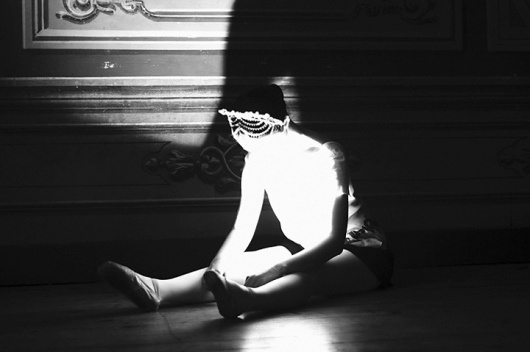 Burak Erkil | iGNANT #girl #ballet #photography #light #dancer