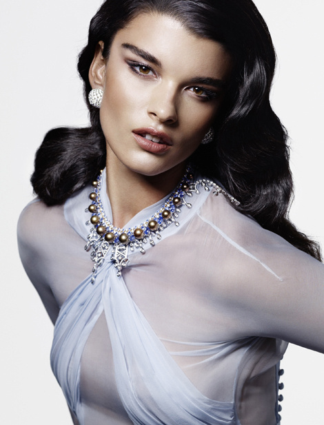 Crystal Renn by Mark Abrahams for Vogue Germany #model #girl #photography #portrait #fashion #beauty