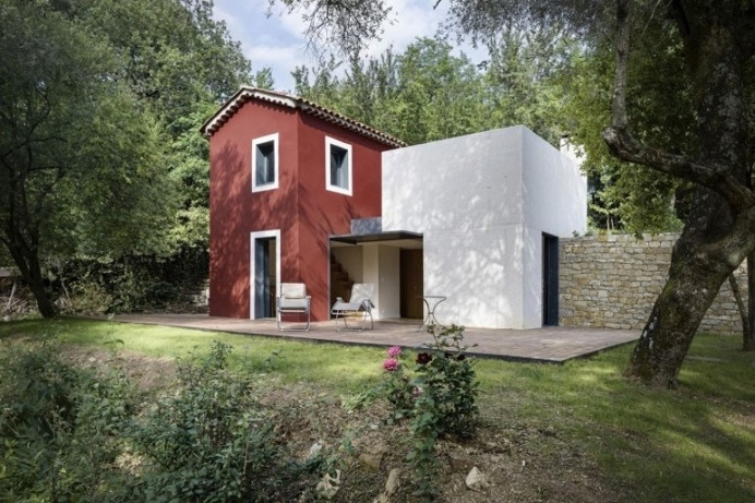 Contemporary Rural House by Cyril Chenebeau