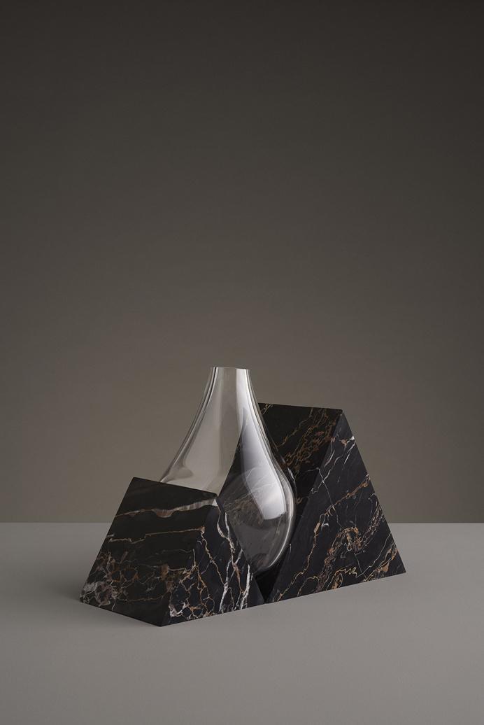 indefinite vases by studio E.O. Erik Olovsson design interior product modern miminal deconstruction vase flower flowers marble stone geometr