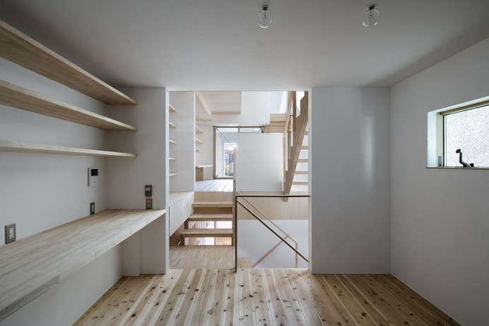 House in Kitami by Container Design