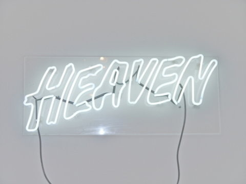 tumblr_lxyvkdsy7t1qzx8t2o1_500.jpg (JPEG Image, 500x375 pixels) #white #heaven #lightbulb #light #typography