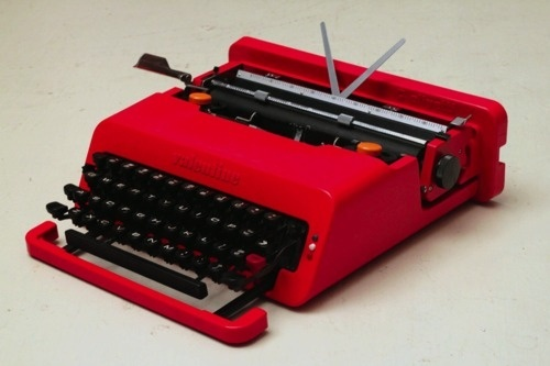 she loves me not #olivetti #1969 #design #product #valentine #typewriter