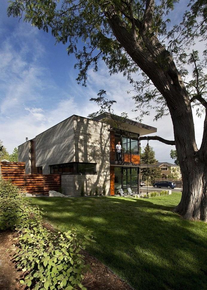 Modern Boulder House Designed for Two Professional Athletes 1